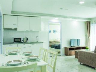 Spacious 2-bedroom apartment in Pratumnak, Pattaya