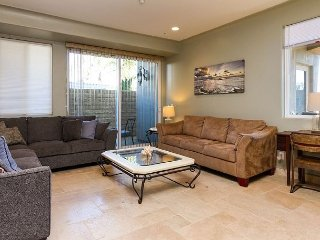 A Block from the Beach & Seaward with Private Patio, Ventura
