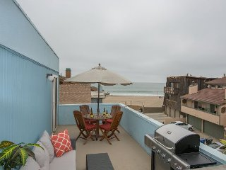 Beachfront Beauty With Balcony & Ocean Views - 5 minutes to downtown Ventura