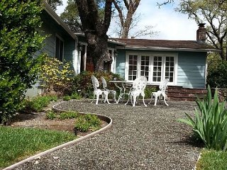 Secluded Cottage-Style Retreat - Private Pool & Views of Sonoma Mountain, Glen Ellen