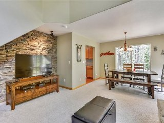 Tahoe Donner -  Bright & Sunny 2 Bedroom 2.5 Bath Town-home in lower TD, Truckee