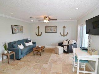 Flagler Beachside Suites 2, 2 Bedrooms, Sleeps 6, Newly Remodeled