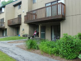 Waterville Valley Vacation Condo close to Community Pool!