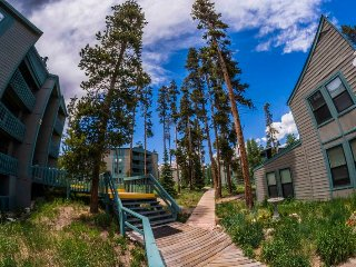 Treehouse 2 bed 2 bath