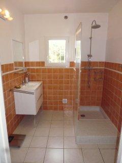 2 ème salle de bain douche &; toilettes