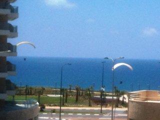 4-room apartment, 40 meters from beach, sea view, Netanya