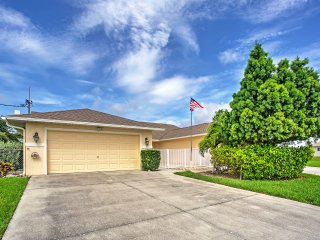 Spectacular 2BR Cape Coral House w/Wifi, Private Deck & Attractive Views