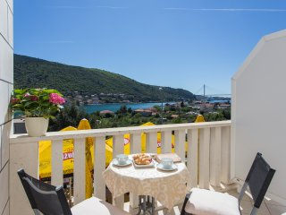 Guest House Rosa Bianca - Deluxe Double or Twin Room with Balcony and Sea View 1, Mokosica