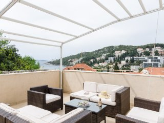 Apartment Sea Breeze - Two Bedroom Apartment with Terrace, Dubrovnik