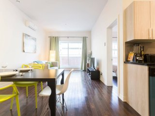 BEST Location: BIG and CLEAN Condo, near Metro