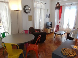 Art Deco Apartment 60m2 in Musicians Quarter Nice