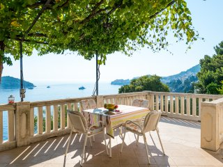 Apartments Kirigin - Two Bedroom Apartment with Terrace and Sea View (Toni)