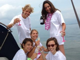 Wine tasting and cooking experience on a sailing boat in Versilia