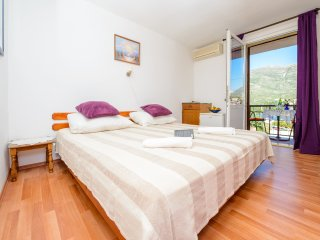 Apartments & Rooms Mihajica- Double or Twin Room with  Balcony and Sea View