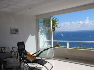 APARTAMENTO VISTAS AL MAR. SEA FRONT APARTMENT, Illetes
