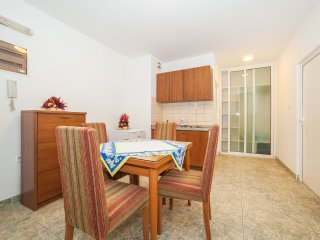 Apartments Cataleya - Two-Bedroom Apartmet with Balcony 6