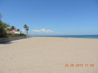primera linea de playa. Sin carretera a cruzar