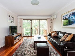 2 BR Unit with Lush Tropical Garden Outlook RAND2, Randwick
