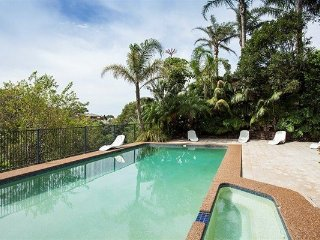2 BR Unit with Lush Tropical Garden Outlook RAND2