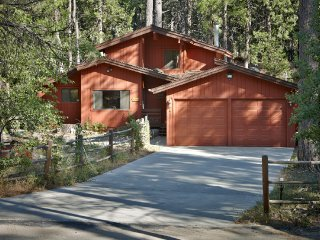 Luxurious Tree House on Strawberry Creek, Idyllwild