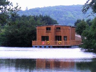 """Cabanes flottantes tout confort """"Au fil de l'eau"""", Etretat"""