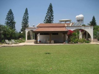 Villa Gema Coral Bay 20 Meters from Beach, Paphos
