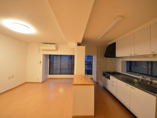 1/3rd Shinjuku House - Sleeps 6, 2mins to Metro