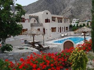 Santorini Villa The Birds Apartment for 5 Free Car, Perissa