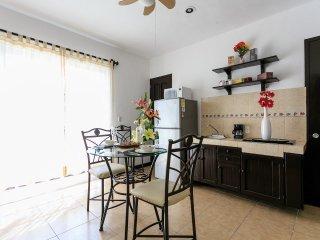Cobá Rentals - Lovely Condo on 5th Avenue, Playa del Carmen