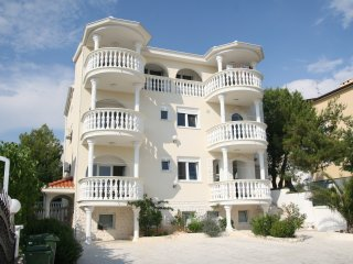 2 CROATIA VODICE APPARTEMENT