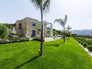Villa Emilia| A Luxury Modern Villa in Kissamos
