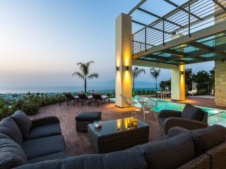 Villa Emilia / Luxury, contemporary design, heated pool, amazing sea view