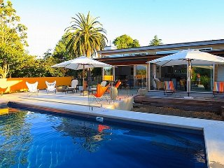 Poolside Escape - Whangamata Holiday Home