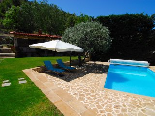 The Sea Breeze House - Private Pool and BBQ, Theologos