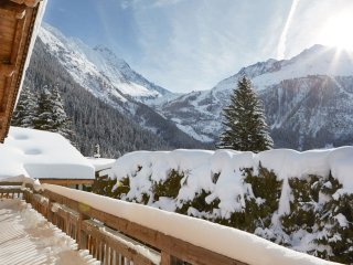 6 bedroom chalet - Argentiere, Chamonix, sleeps 13