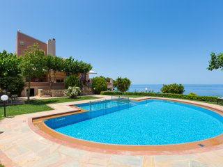 Villa Belle - Panoramic Sea View with Full Privacy, Atsipopoulo