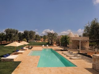 Ostuni Art Resort      - luxury villa with private pool -