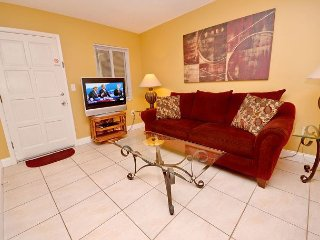 Waves 14 - Immaculate 2nd Floor St Pete Beach Condo - New Kitchen w/Granite!, Saint Pete Beach