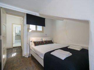 Preto e Branco apartment in Bairro Alto with WiFi.