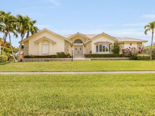 Cottage Ct. 370, Marco Island