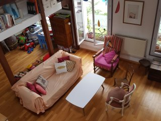 Loft-like apartment, 4/6, Paris, families welcome, París