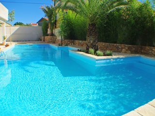 New Villa with Pool for 6 Perssons!, Murter