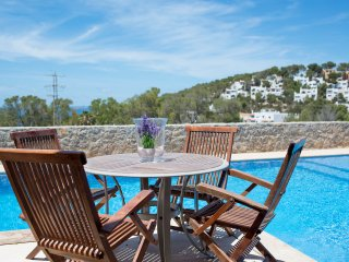 Modern 4 bed house with sea views and private pool, Cala Carbo