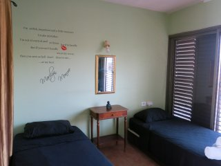 Twin room with shared bathroom, Eilat