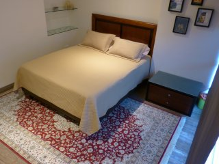 MATTIS BnB, private room whit en-suite bathroom, Quito