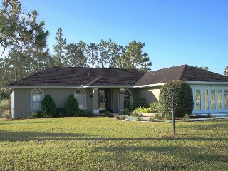 Beautiful 3/2 Home w/ Heated Pool, Ocala