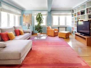 Gros Zinema Apartment by FeelFree Rentals, Donostia-San Sebastián