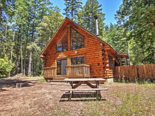 3BR Log House in Sonoma County on 1.58 Acres