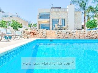 Aqua Vista Villa, Neo Chorion