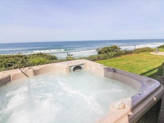 Spectacular Oceanfront Home With Hot Tub, Lincoln City